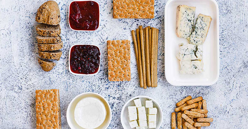Try some healthy crackers for snacks