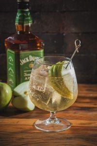 casaportena drinks apple spritz